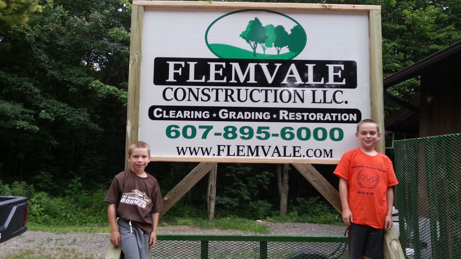 flemvale sign children - About Us